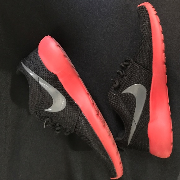 Sole And Black Gray Nike Sneakers Wom